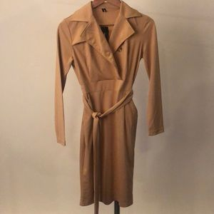 Tan long sleeve dress with waist tie and pockets
